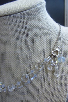 You can also wear the strands as a centerpiece for symmetrical necklaces.