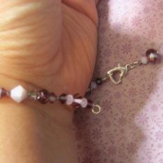 Place the bracelet around your wrist.